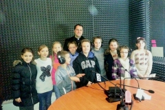 Children catechism in visit to Radio Maria Kosovë, next volunteers of Radio Maria